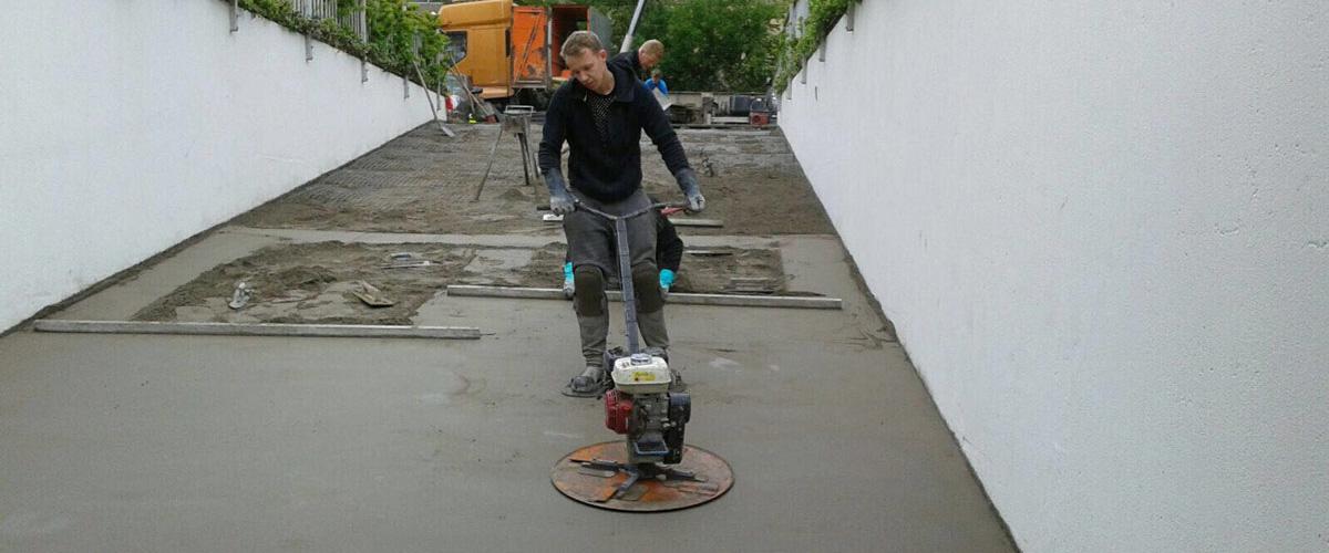 cementdekvloer-inrit-parkeergarage-front